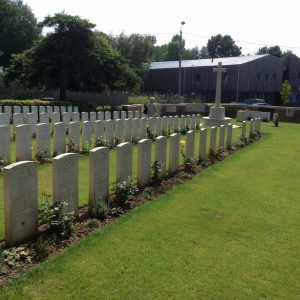 73 - Le Quesnoy Communal Cemetery Extension